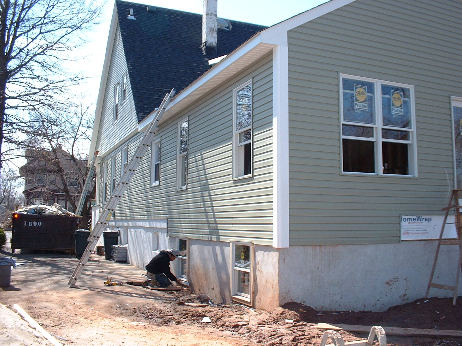 The siding is about finished now.There will be a small deck at the back of the house.